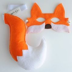 {Orange Fox Mask and Tail} by Opposite of Far, via Etsy >> World Book Day Costumes, Book Week Costume, Fox Costume, Baby Costumes, Diy For Kids, Crafts For Kids, Fox Crafts, Fox Mask, Felt Fox