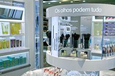 o avesso da moda: inauguração da loja-conceito da Clinique, no Pátio Higienópolis