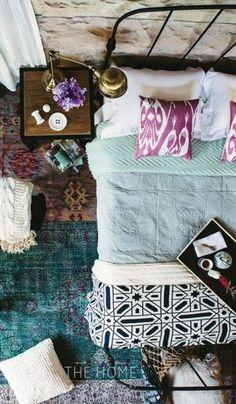 Classy & Chic Inspiration / boho chic bedroom / colorful bed #splendorinspanglish #splendorstyling