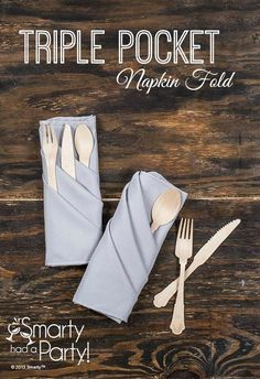 Learn how to fold your own triple pocket napkin with this tutorial. The triple pocket napkin fold tutorial from Smarty Had A Party. Easy Napkin Folding, Folding Napkins, Christmas Napkin Folding, Thanksgiving Napkin Folds, Deco Restaurant, Holiday Dinner, Holiday Ideas, Dinner Napkins, Dinner Table