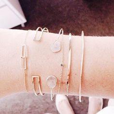 🍸💫💍 #jewelry #jewels #jewel #fashion #trendy #accessories #crystals #fashionista #accessory #style #blog #blogger #carolinebeltrame.com.br #blogueirassaopaulo #osasco #saopaulo #blogueirasbrasil #glam #influencersbrasil #joias #cristais #pink #moda #acessorios #brasil #moda #fashion #tendencia #rings #diamonds . . . . . www.carolinebeltrame.com.br