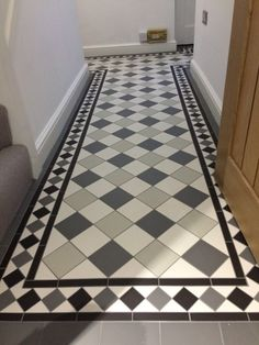 28 Cozy Victorian Small Hallway Floor Ideas - Page 18 of 27 - Modern Decoration Ideas Victorian Hallway Tiles, Edwardian Hallway, Tiled Hallway, Victorian Flooring, Edwardian House, Victorian Terrace, Hall Flooring, Porch Flooring, Kitchen Flooring