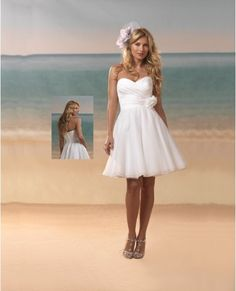 Short beach wedding gown. wish i knew who made this dress!! so cute!