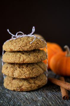 Pumpkin Molasses Cookies | 2 1/3 cups flour   2 tsp baking soda   1/2 tsp salt   1 tablespoon pumpkin pie spice   1/4 tsp black pepper   8 Tbs butter, room temperature   1 cup brown sugar, packed   1/4 cup molasses   2/3 cup pumpkin puree   1 large egg   1/2 cup sugar, for rolling