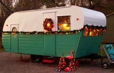 """Explore our internet site for more details on """"horse trailer"""". It is actually an exceptional spot to find out more. Horse Trailers For Sale, Vintage Campers Trailers, Retro Campers, Vintage Caravans, Camper Trailers, Used Campers For Sale, Go Glamping, Small Trailer, Vintage Rv"""