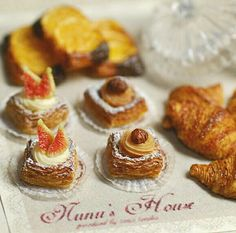 ギャラリー perfect little pastries in miniature.unfortunately not edible ;)
