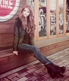 ulzzang cute outfit and cool hair
