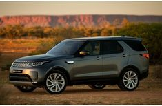 2018 Land Rover Discovery adds diesel option to all trims, price hikes across the board. Discoveries also get new standard features. Land Rover Sport, Land Rover Discovery Sport, Land Rover Pick Up, Land Rover Defender Camping, Land Rover Defender Interior, Land Rover Serie 1, Land Rover Off Road, Land Rover Models, Jaguar Land Rover