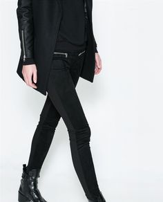 Style - Minimal + Classic: a little bit of Rock: black outfit with zipper details