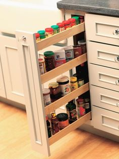 Handy way to be able to find a spice without having to sort through a whole shelf.