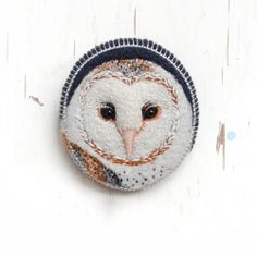 Embroidered Brooches by Conieco