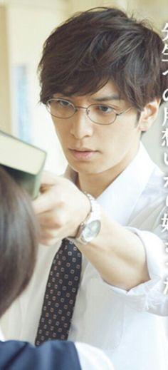 しょしょ в Твиттере: «#好きなメガネ男子映画 伊藤先生だよ伊藤先生… » Eyewear, Eyes, Twitter, How To Wear, Eyeglasses, Sunglasses, Cat Eyes, Eye Glasses, Glasses