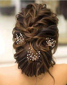 Indian Bridal Bun Hairstyles 46 Ideas For 2019 Bridal Hairstyle Indian Wedding, Bridal Hair Buns, Indian Wedding Hairstyles, Bridal Hairdo, Loose Hairstyles, Party Hairstyles, Bride Hairstyles, Trendy Hairstyles, Hairstyle Ideas