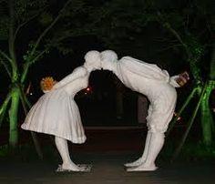 Jeju Loveland (제주 러브 랜드) é um parque na ilha de Jeju, Coreia do Sul,  com 140 esculturas que representam os seres humanos em várias posições sexuais. Focada em temas de sexo, é atração para os recém casados, que podem assistir a filmes de educação sexual.
