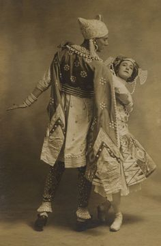 "Vaslav Nijinski in ""Le Dieu Bleu"" - 1912. Tamara Karsavina et Max Frohman. Ballets Russes.."