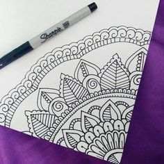 40 Beautiful Mandala Drawing Ideas & Inspiration · Brighter Craft 40 illustrated mandala drawing ideas and inspiration. Learn how you can draw mandalas step by step. This tutorial is perfect for all art enthusiasts. Mandala Doodle, Easy Mandala Drawing, Simple Mandala, Mandala Sketch, Easy Mandala Designs, Mandala How To Draw, Easy Designs To Draw, Watercolor Mandala, Butterfly Drawing