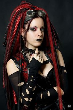 Smooth ~~ Pitite Oudy ❛☂❜ Alt model Pitite Oudy ✒ post-punk , cyber goth , industrial,Steam, costume play & Dance http://pititeoudy.bookspace.fr/ https://www.facebook.com/OudysCybergothModele/