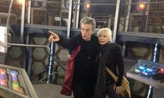 Peter Capaldi and former Doctor Who companion Katy Manning recreate Jon Pertwee moment in the Tardis Classic Doctor Who, New Doctor Who, 12th Doctor, Twelfth Doctor, Doctor Who Tardis, Jon Pertwee, Drama News, Mark Gatiss, Peter Capaldi