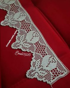 Tulpen filethaakwerk - Firdevs's media content and analytics Filet Crochet, Crochet Cord, Crochet Lace Edging, Crochet Borders, Crochet Doilies, Easy Crochet, Crochet Stitches, Crochet Patterns, Diy Crafts Crochet