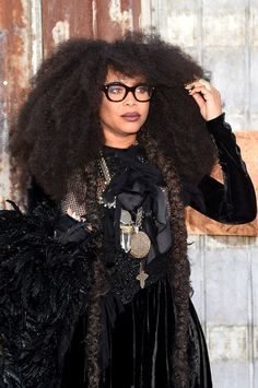 """Erykah Badu's """"Phone Down $$$$"""" Is Everything You Ever Needed"""