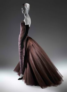"Charles James ""Butterfly"" Ball Gown, ca. 1955, Brown silk chiffon, cream silk satin, brown silk satin, dark brown nylon tulle. The Metropolitan Museum of Art, New York, Purchase, Friends of The Costume Institute Fund, 2013"