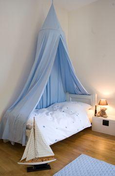 Ein Betthimmel ist der Traum vieler Kinder. Drunter legen und die Gedanken auf Reise schicken.....