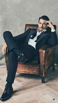 Best Poses For Men, Good Poses, Portrait Photography Men, Photography Poses For Men, Men Portrait, Male Portraits, Male Models Poses, Male Poses, Pose Mannequin