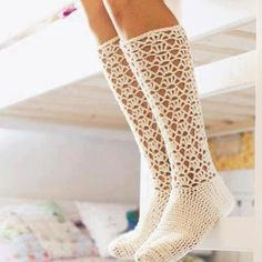 Luckily I know enough about crochet by now to be able to make these by looking, don't have to buy the pattern :)