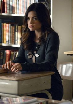 Aria's wooden leaf necklace and sweater with leather sleeve detail on Pretty Little Liars.  Outfit Details: http://wornontv.net/13091/ #PLL