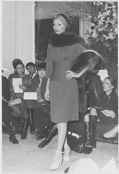 """""""Yves Saint Laurent 1971, la collection du scandale"""" à la fondation Pierre Bergé"""