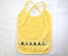 Lätzchen - Baby-Lätzchen gelb mit Waldmotiv - ein Designerstück von Idee-Kreativ bei DaWanda Pot Holders, Baby, Yellow, Creative, Gifts, Hot Pads, Potholders, Babys, Infant