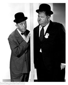 https://www.facebook.com/pages/Stan-Laurel-e-Oliver-Hardy/275148776002056?fref=nf