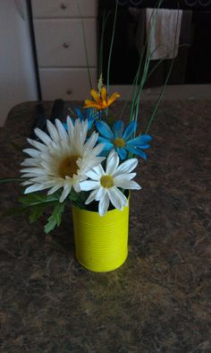 another pinner said: Painted soup cans with fake flowers were great decor for a summer cookout Cookout Decorations, Memorial Day Celebrations, Decorating Ideas, Craft Ideas, Fake Flowers, Baby Shower Themes, Outdoor Ideas, Summer Fun, Showers
