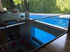 Ventanas para piscinas realizadas a medida Windows, Outdoor Decor, Home Decor, Decoration Home, Room Decor, Home Interior Design, Ramen, Home Decoration, Interior Design