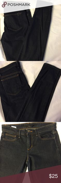 Joe's Jeans Women's straight leg Dark Jeans 29x33 Joe's Jeans Straight Leg Geraldine dark wash jeans in a size 26.  Measures 29 x 33 with an 8.5 in. Rise.  Very good condition but there is a little wear at the top of the legs. Joe's Jeans Jeans Straight Leg