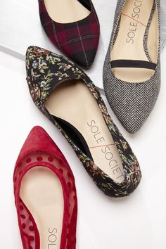 Timeless slip on flats with a pointed toe and loafer-like detail. So comfy, yet dressy. Cute Flats, Cute Shoes, Me Too Shoes, Chic Chic, Shoe Boots, Shoes Heels, Pumps, Flat Shoes, Crazy Shoes