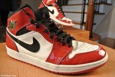 Shiny Patent Air Jordan Retro 1 Size 9.5 (Auction ID: 101284, End Time : May. 10, 2013 02:08:30) - SneakSwap.com Buy Sneakers For Sale for sale OR buy out for $109.99