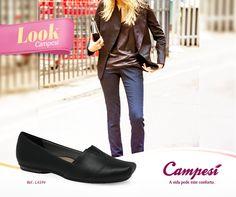 Um visual mais sério nem sempre exige um sapato de salto. Nossa escolha de hoje é a sapatilha preta para fechar o look discreto. Curtiu? #lookCampesí