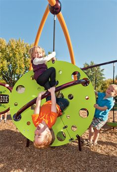 The Wee Planet™ climber promotes balance and coordination on the Weevos™ play system.