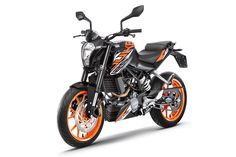 KTM India today launched the ABS (anti-lock braking system) version of its entry-level bike, the KTM 200 Duke. Priced at Rs. lakh (ex-showroom, Delhi), the KTM 200 Duke ABS comes with newly introduced anti-lock brakes sourced from Bosch. Ktm 125 Duke, Duke Bike, Bike News, Motorcycle News, Moto Bike, Ktm Bike Price, Ktm 200, Motorcycles In India, New Ktm