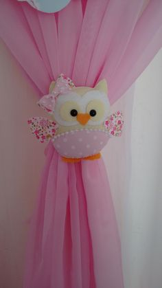 45 Funny and Cute Christmas Decorating Ideas 2018 Fabric Crafts, Sewing Crafts, Sewing Projects, Projects To Try, Curtain Holder, Curtain Tie Backs, Owl Crafts, Diy And Crafts, Felt Patterns