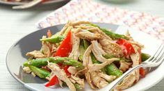 Chinese Chicken Salad recipe from Ina Garten via Food Network - Yum. and healthy! Fresh Salad Recipes, Chicken Salad Recipes, Healthy Salad Recipes, Salad Chicken, Recipe Chicken, Salad Recipes No Lettuce, Food Network Recipes, Cooking Recipes, Recipes
