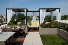 Extraordinary Design Ideas for Patio Pergolas: We present some outclass heavenly pergola designs ideas for your patios where you can sit, relax, have coffee and Pergola Shade, Diy Pergola, Pergola Ideas, Outdoor Spaces, Outdoor Living, Outdoor Decor, Expo Habitat, Sitting Arrangement, Drought Tolerant Landscape