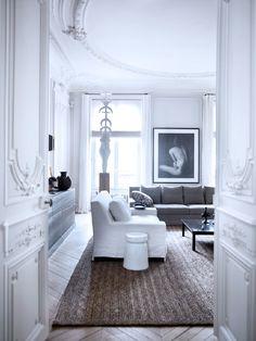 Classic Paris apartment - designed by Gilles & Boissier./////www.bedreakustik.dk avec tres grand tapis