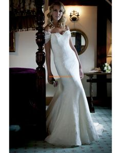 Augusta Jones 2013 Elegante Glamouröse Hochzeitskleider aus Spitze