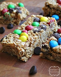 {no bake} monster granola bars on MyRecipeMagic.com