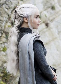 Jun 2019 - Jewellery from the tv-show Game of Thrones. See more ideas about Game of thrones jewelry, Tv show games and Game of thrones. Daenerys Targaryen Season 7, Game Of Throne Daenerys, Danaerys Targaryen Hair, Daenerys Targaryen Aesthetic, Deanerys Targaryen, Dany Targaryen, Arte Game Of Thrones, Game Of Thrones Costumes, Emilia Clarke