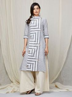 A Kurta to go with every occasion, be it printed embroidered or sequined. Shop from a wide Variety of most beautiful Kurtas in Pure Silk, Cotton & Linens & in vibrant colors. Dress Neck Designs, Kurti Neck Designs, Kurta Designs Women, Blouse Designs, Kurti Patterns, Dress Patterns, Khadi Kurta, Kurta Style, Kurti Collection