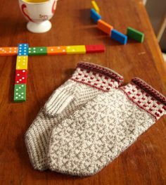 Heilo Mittens by Veronik Avery