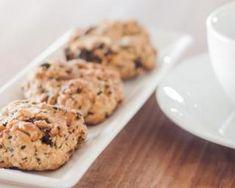 Mini cookies aux pépites de chocolat et noix de pécan à l'édulcorant : http://www.fourchette-et-bikini.fr/recettes/recettes-minceur/mini-cookies-aux-pepites-de-chocolat-et-noix-de-pecan-ledulcorant.html